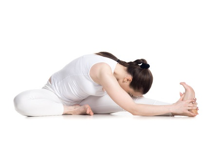 Hoofd-kniehouding; half butterfly yogapose